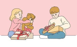 as crianças estão abrindo a caixa de presente. mão desenhada estilo ilustrações vetoriais. vetor
