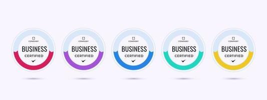 design de logotipo de crachá certificado para certificados de crachá de treinamento de empresa comercial para determinar com base em critérios. conjunto de certificação de pacote, modelo de ilustração vetorial colorida. vetor