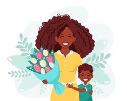 cartão do dia das mães. mulher negra com buquê de flores e filho. ilustração vetorial vetor