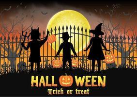 crianças de halloween em frente ao portão do cemitério vetor