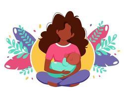 conceito de amamentação. mulher negra alimentando um bebê com mama em folhas de fundo. ilustração vetorial em estilo simples. vetor