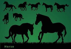 coleção de silhuetas de cavalos em fundo verde vetor