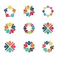 grupo gráfico que conecta pessoas logotipo de conexão conjunto trabalho de equipe em um círculo de mãos dadas, pessoa de negócios se encontrando na mesma sala de energia vetor