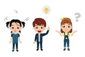 criança fofa feliz menino e meninas vestindo lindas roupas juntos pensando e apontando para o símbolo da ideia, ponto de interrogação vetor