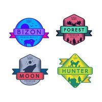 Conjunto de emblemas da bizon e da lua da floresta e do caçador vetor