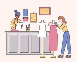 designers de boutiques e clientes que procuram roupas. ilustração em vetor mínimo estilo design plano.