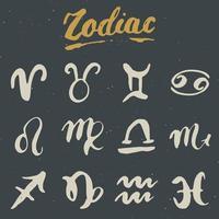 Conjunto de signos do Zodíaco e inscrições. símbolos de astrologia horóscopo desenhado à mão, design texturizado de grunge, impressão de tipografia, ilustração vetorial vetor