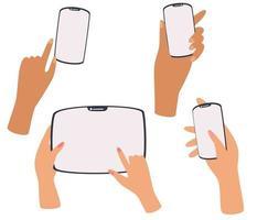 mãos segurando telefone tablet smartphone conjunto de diferentes gestos telefone na mão ilustração plana vetorial vetor