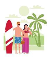 jovem casal vestindo maiôs com coquetel e prancha de surf na praia vetor