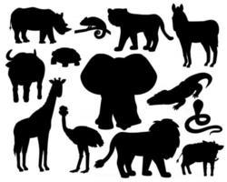 conjunto de silhuetas de animais de savana em fundo branco tigre leão rinoceronte comum javali búfalo africano camaleão zebra avestruz elefante girafa crocodilo cobra vetor