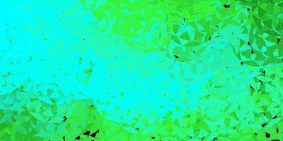 textura de vetor verde claro com triângulos aleatórios