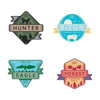 logotipo do conjunto de águia selvagem e bizon, caçador e floresta vetor