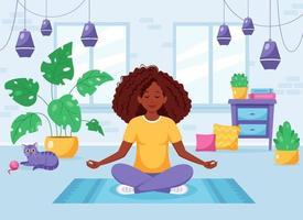 mulher afro-americana, meditando na posição de lótus, no interior moderno e aconchegante. vetor