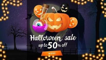 liquidação de halloween, desconto de até 50, banner com paisagem de halloween no fundo, jack de abóbora e balões de halloween vetor