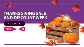 Semana de venda e desconto de ação de Graças, banner web roxo com caixas de madeira de abóboras maduras e folhas de outono. modelo de desconto de ação de graças vetor