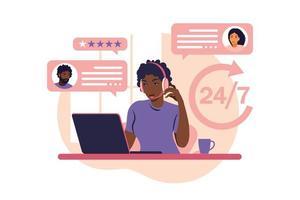 conceito de serviço ao cliente. mulher africana com fones de ouvido e microfone com laptop. suporte, assistência, central de atendimento. ilustração vetorial. estilo plano vetor