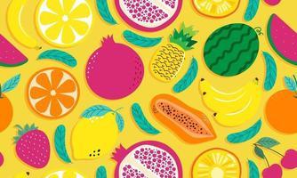 mão desenhada bonito padrão sem emenda frutas, laranja, banana, romã, cereja, morango, abacaxi, melancia, limão e folha em fundo amarelo. ilustração vetorial. vetor
