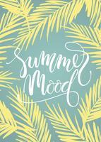 Clima de verão. Design de letras no fundo da palma.