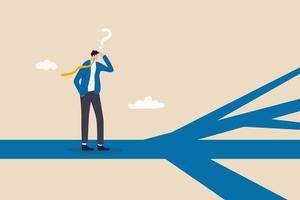 direção de negócios, escolha de opções ou caminhos múltiplos, tomada de decisão para carreira ou crescimento de negócios, conceito de paradoxo de escolha, pensamento de empresário confuso, tomada de decisão sobre múltiplas rotas à frente. vetor