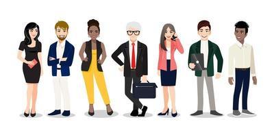 trabalhadores de escritório ou equipe multinacional de negócios em pé e sorrindo juntos. ilustração em vetor de diversos desenhos animados de homens e mulheres de várias raças, idades e tipos de corpo em trajes de escritório.