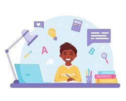menino indiano estudando com o computador. aprendizagem online, de volta ao conceito de escola. vetor