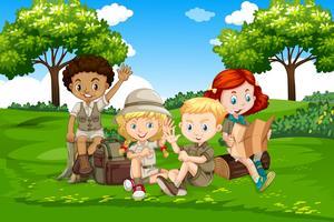 Crianças de camping internacionais na natureza vetor