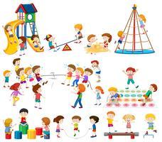 Conjunto de crianças no playground vetor