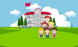 Crianças, tocando, infront, de, escola vetor