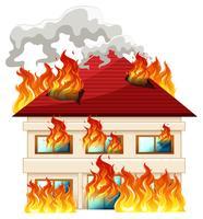 Casa isolada em chamas