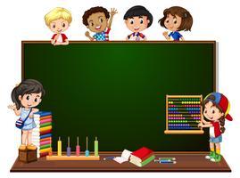 Crianças, com, quadro-negro, bandeira