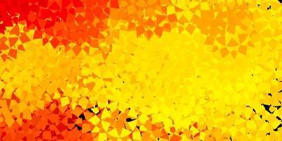 layout de vetor amarelo claro com formas de triângulo.