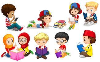 Meninos e meninas lendo livros vetor
