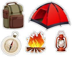 Camping conjunto com tenda e fogueira vetor