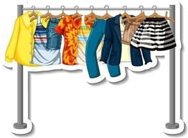 adesivo de cabideiro com muitas roupas em cabides vetor