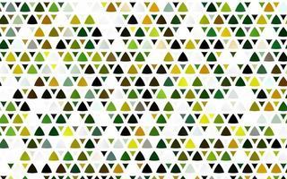 modelo sem emenda de vetor verde e amarelo claro com cristais, triângulos.