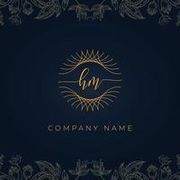 logotipo de letra hm de luxo elegante. vetor