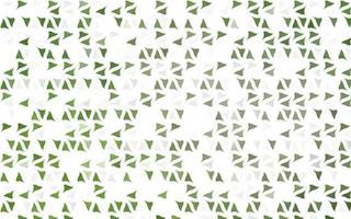 textura de vetor verde claro em estilo triangular.