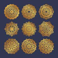 Conjunto de mandalas de ouro. Meditação indiana do casamento.