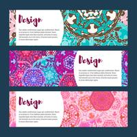 Conjunto de bandeiras de modelos. Padrão de mandala floral e ornamentos. vetor