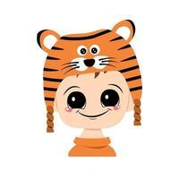 avatar de uma criança com olhos grandes e um sorriso largo em um chapéu de tigre vetor