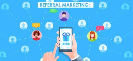 Banner de marketing de referência. Mão com telefone e usuários avatat. Vetorial, caricatura, ilustração