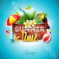 Vector a ilustração tipográfica do feriado das horas de verão com o pássaro do tucano no fundo da madeira do vintage. Plantas tropicais, flor, bola de praia e para-sol com céu azul. Modelo de design