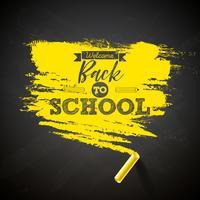 Volta para escola design com giz e tipografia letras na ilustração de backgroundvector quadro negro para cartão, banner, panfleto, convite, brochura ou cartaz promocional. vetor