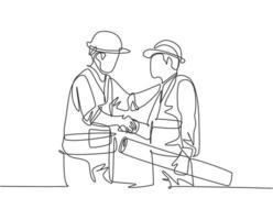 um desenho de linha do jovem arquiteto segurando um rolo de papel e o capataz construtor vestindo colete de construção e aperto de mão de capacete para lidar com um projeto. grande conceito de trabalho em equipe. desenho de linha contínua vetor