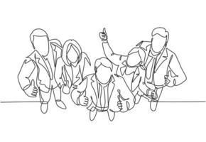 único grupo de desenho de linha de alinhamento de jovens empresários e empresária, levantando-se juntos dando polegares para cima gesto da vista superior. conceito de negócios. ilustração em vetor desenho desenho em linha contínua