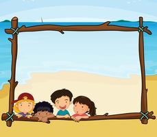 Design de moldura com crianças na praia vetor