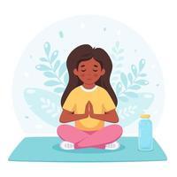 garota meditando na posição de lótus. ginástica, ioga e meditação para crianças vetor