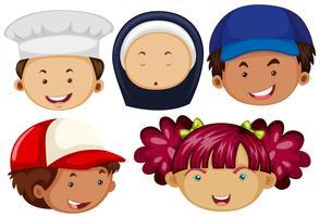 Pessoas diferentes com rostos felizes vetor