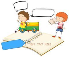 Caderno em branco com dois meninos lendo