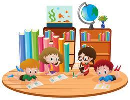 Quatro crianças, aprendizagem, em, sala aula vetor